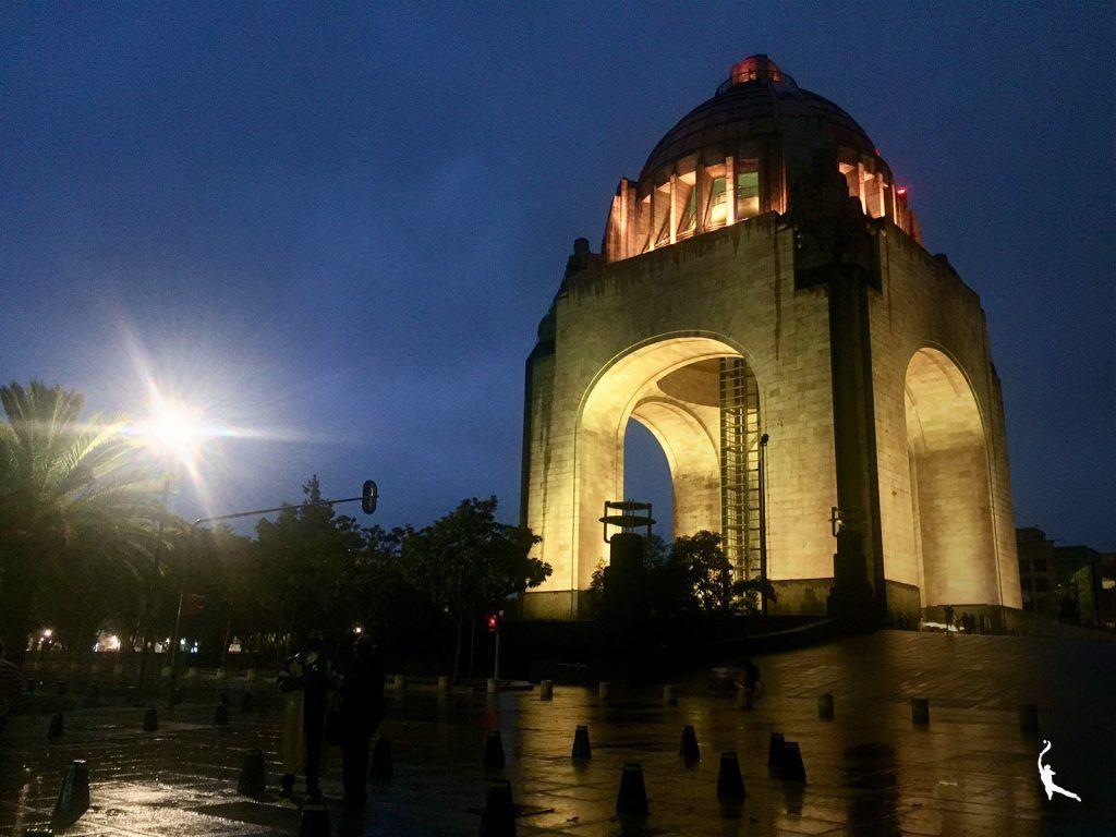 Art déco en la Tabacalera: Monumento a la Revolución