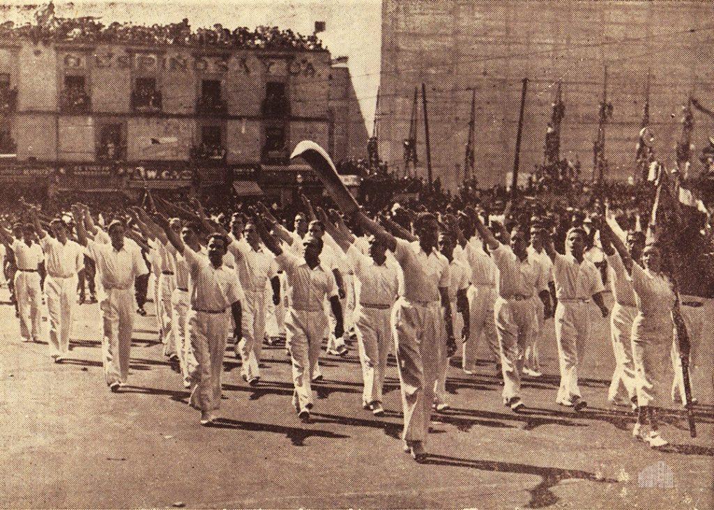 El cuadro de pelotaris en el desfile del 20 de noviembre
